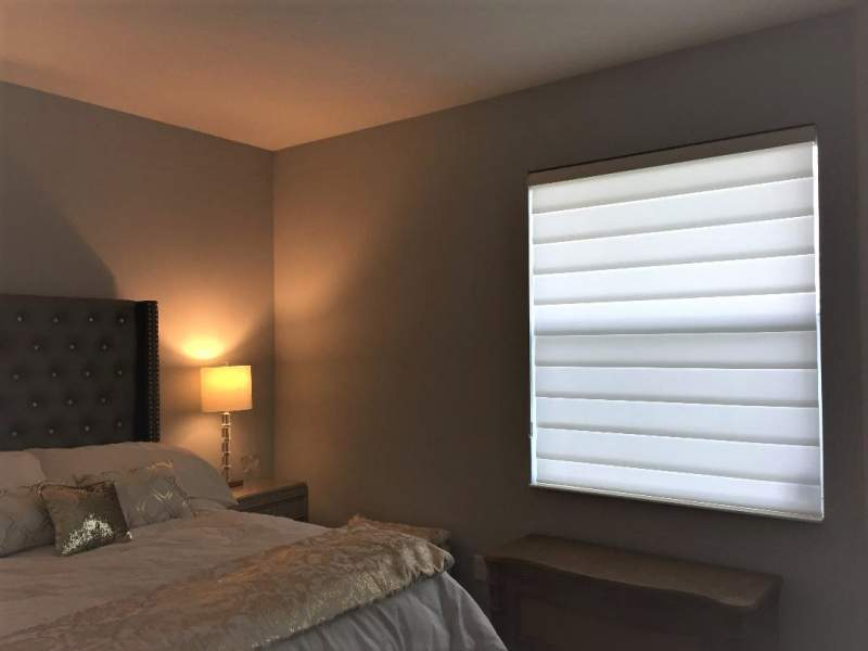 Hunter Douglas Vingette in Bedroom Window